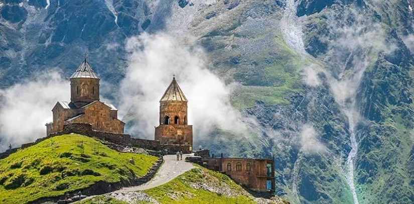 Private excursion to Kazbegi from Tbilisi in any leaunguage